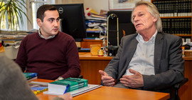 Prof. Uwe Hellmann (right) and Dr. Sargis Terzikyan. | Photo: Tobias Hopfgarten
