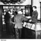 The Academy of Law was shielded from the outside world and even had its own bookstore, 1957. Photo: BStU, MfS HA IX / Fo / 1413 (Photo 75).