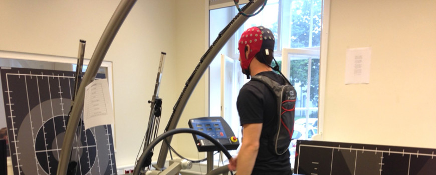 Gait analysis and EEG measurements during treadmill walking