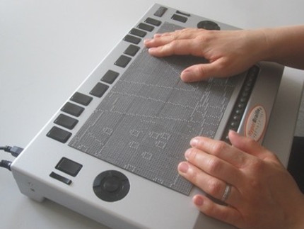 Photo of the tactile surface display BrailleDis