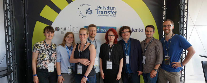 Group picture: Three start-up projects from the University of Potsdam participated in the TAU Innovation Conference: Synfioo, Diamond Inventics, and Adento. Photo: Wulf Bickenbach
